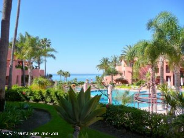 Ground Floor Apartment in Estepona Playa
