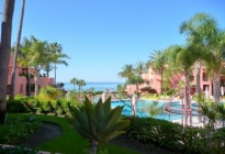 Erdgeschoss-Appartement in Estepona Playa